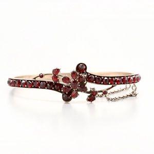 Jewelry - Vintage Garnet Bangle Bracelet